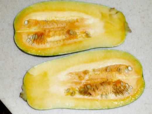 польза тыквы для здоровья - разрезанная пополам тыква