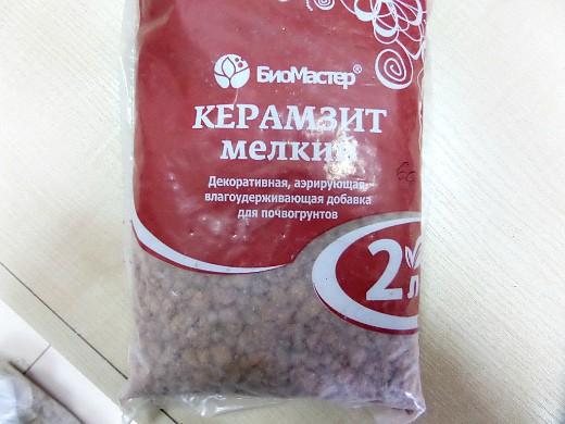 мульчирование почвы на даче - керамзит
