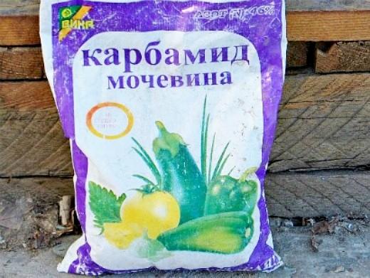 удобрения для пионов при посадке и выращивании - карбамид (мочевина)